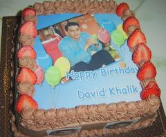 Cake Strawberry dengan edible yang lagi Ultah