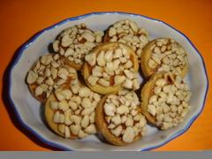 kuker vanila salut kacang