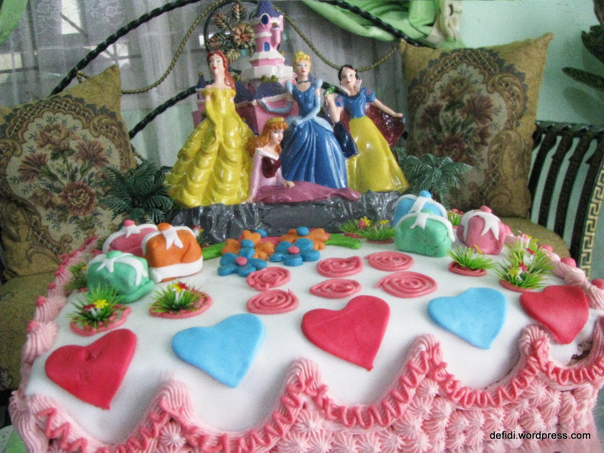dekorasi kue ulang tahun